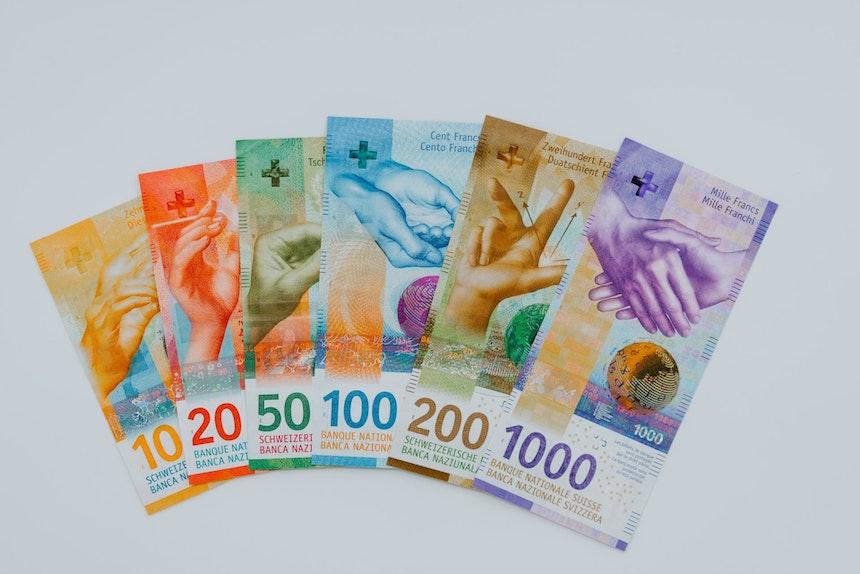 Wstrzymanie spłaty kredytu frankowego. Zabezpieczenie powództwa w sprawie frankowej. Wstrzymanie spłaty rat CHF. Pozew frankowy kancelaria Kłodzko. Kredyt frankowy Włocławek